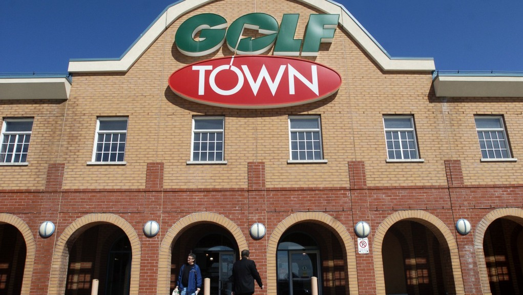 Golf Town Merges with Sporting Life